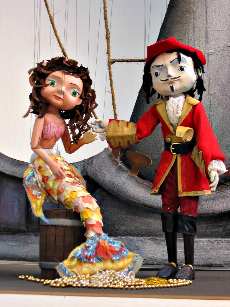 PirateMermaid-credit-Center-for-Puppetry-Arts
